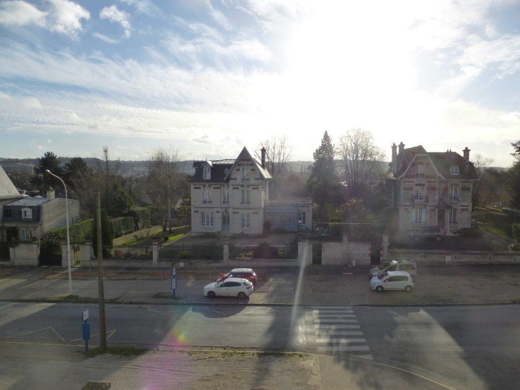VUE SUR BD JEANNE D'ARC DEPUIS LA RESIDENCE Soissons